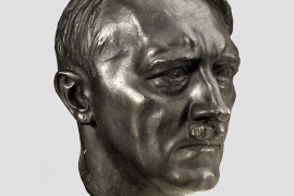 Adolf Hitler : Wiki Commons