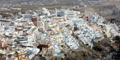 Santorini tree rings support the traditional dating of the volcanic eruption