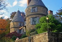 10 Historical Houses