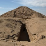 Gleaming in the Dust – Ancient Antiquities Looted & Sold on International Markets